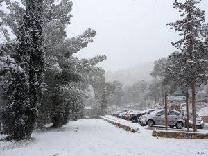 """Nevada en el """"bar de la balsa"""" de El Valle (6 cm de nieve)"""